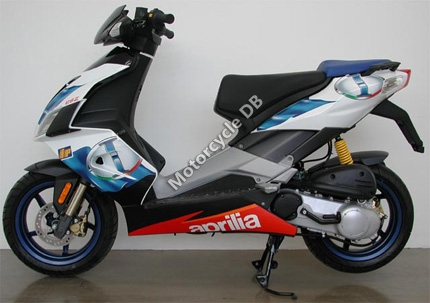 aprilia sr 50 r factory pictures specifications videos and reviews 2007. Black Bedroom Furniture Sets. Home Design Ideas