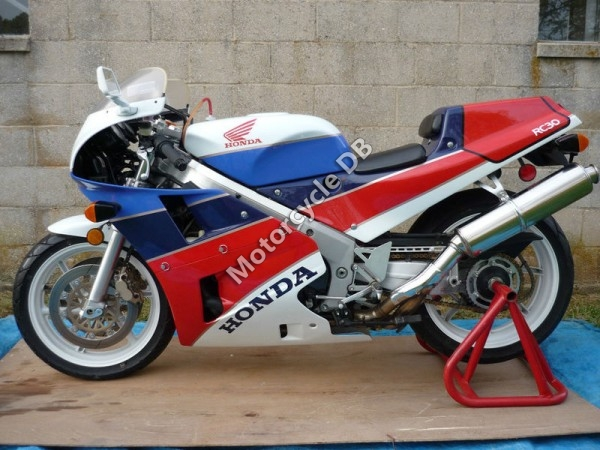 1989 Honda VFR 750 R / RC 30 (reduced effect)