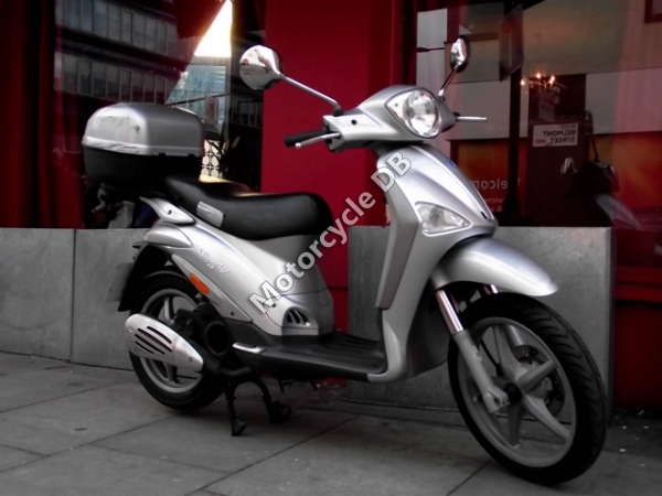 piaggio liberty 125 4 stroke pictures, specifications, videos and