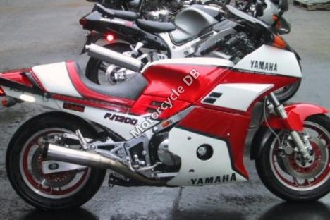 1989 Yamaha RD 350 F (reduced effect)