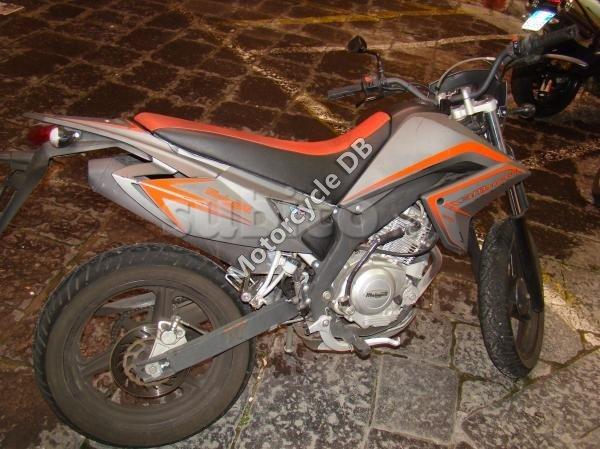 Malaguti X3M 125 Motard 2009 9641