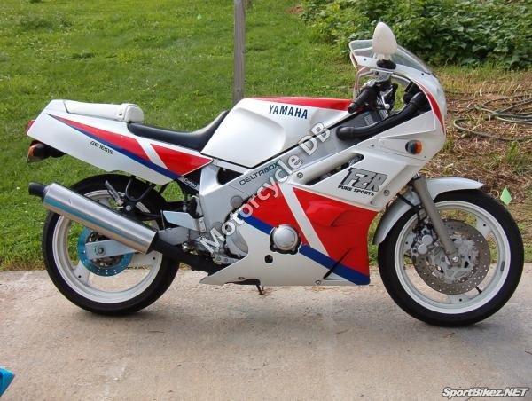 Yamaha FZR 600 1990 8664