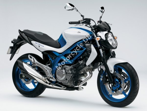 Suzuki Gladius 2011 7507