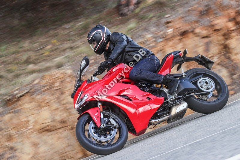 Ducati SuperSport 2018 31609