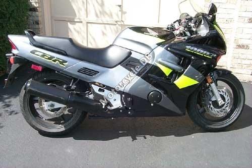 Honda CBR 1000 F 1996 15388
