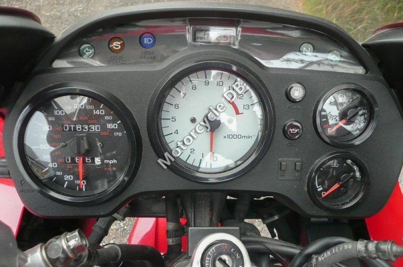 Honda VFR 750 F 1996 30613