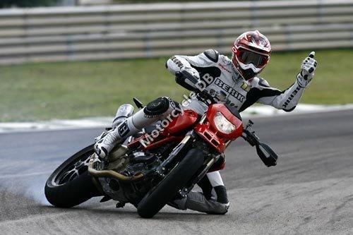 Ducati Hypermotard 1100 S 2008 2460