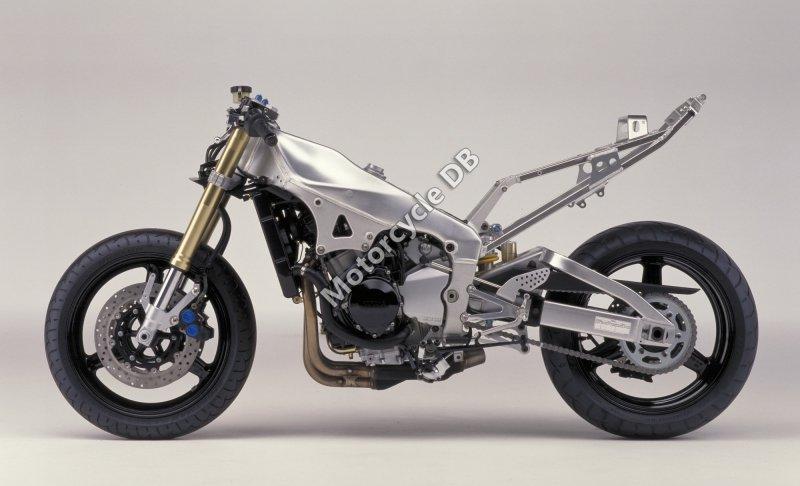 Yamaha YZF-R1 2001 25745