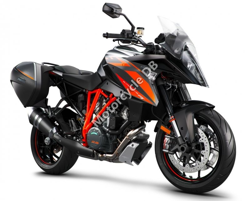KTM 1290 Super Duke GT 2017 28699 Thumb