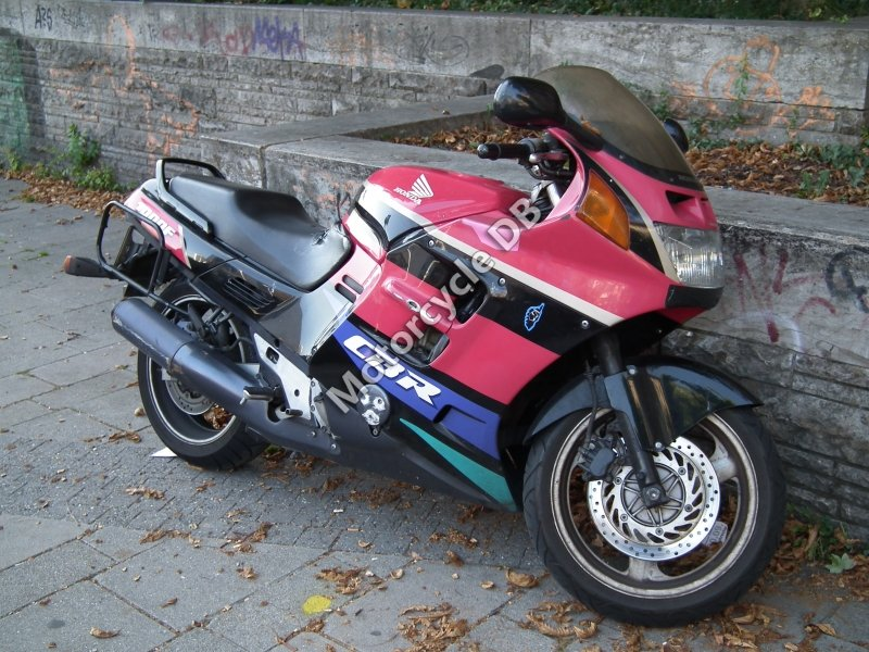Honda CBR 1000 F 1988 30020