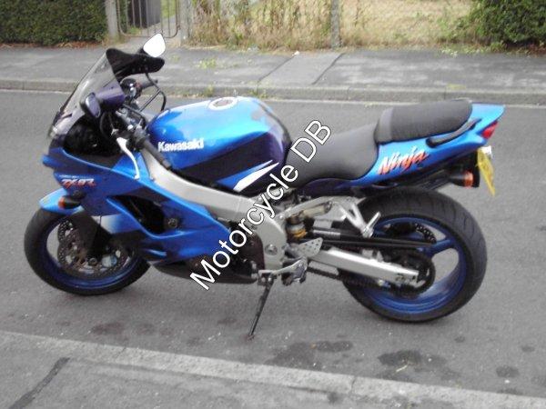 Kawasaki ZX-9R 2000 115