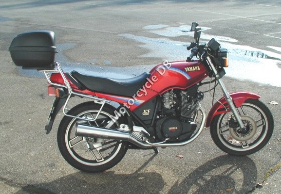 Yamaha XS 400 DOHC (reduced effect) 1983 22656