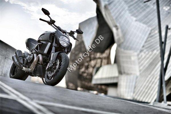 Ducati Diavel Strada 2014 23392