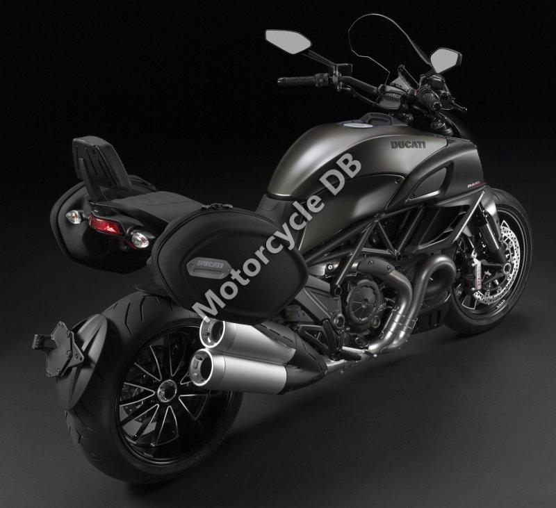 Ducati Diavel Strada 2014 31396