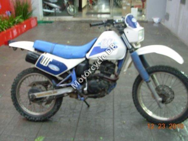 Suzuki DR 125 1992 12511
