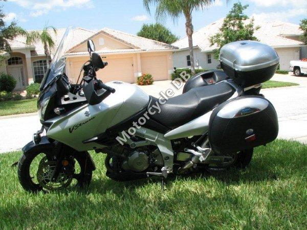 Suzuki V-Strom 1000 2004 17948