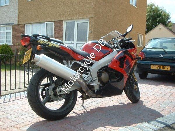 Kawasaki ZX-6R 1998 118