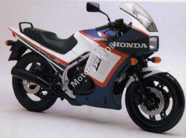 Honda VF 500 F 2 1984 12601