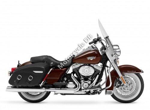 Harley-Davidson FLHRC Road King Classic 2011 6717