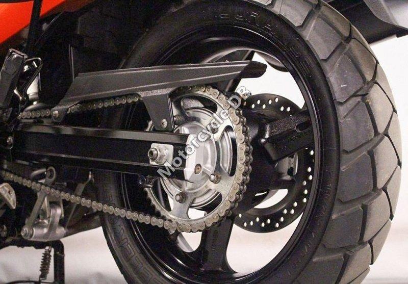 Suzuki V-Strom 650 2005 28222
