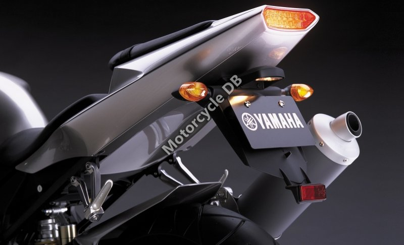 Yamaha YZF-R1 2002 25751