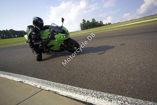Kawasaki Ninja ZX-6R 2009 3533