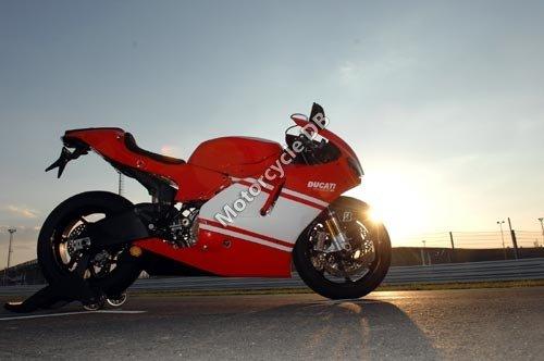 Ducati Desmosedici RR 2008 2450