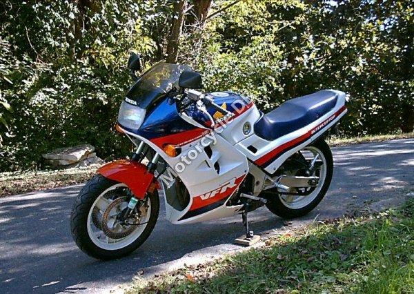 Honda VFR 1000 F 2 1986 8333