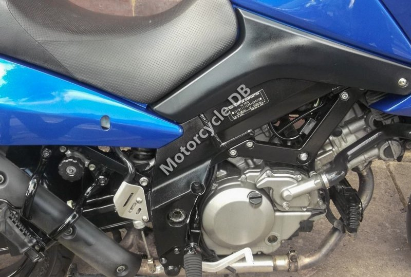 Suzuki V-Strom 650 2009 28231
