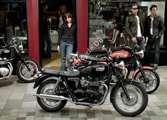 Triumph Bonneville T100 2011 4962