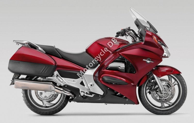 Honda ST 1300 2004 30688