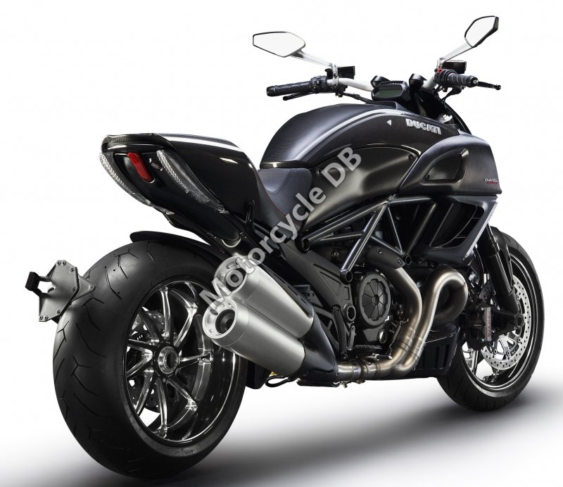 Ducati Diavel Carbon 2017 31425