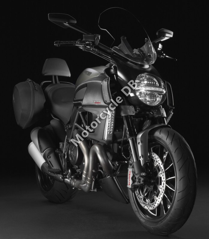 Ducati Diavel Strada 2013 31388