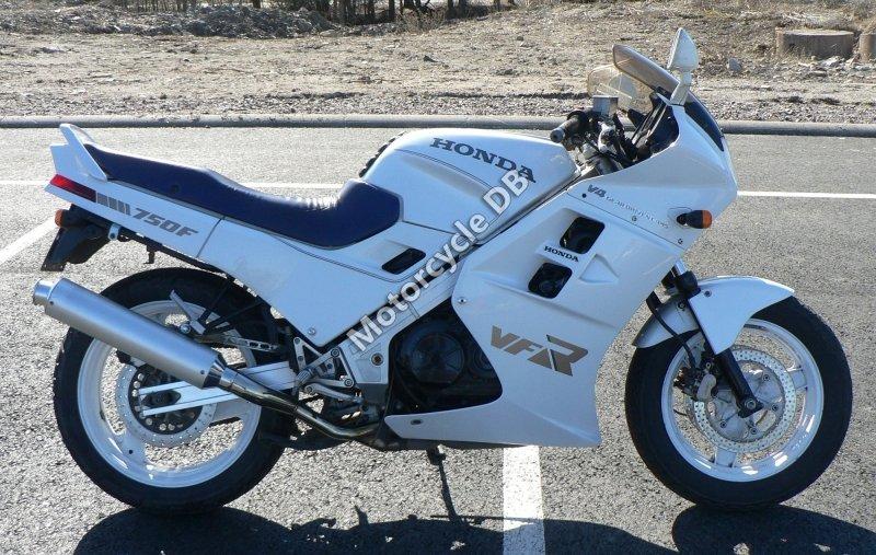 Honda VFR 750 F 1987 30596