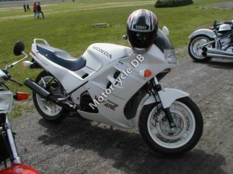 Honda VFR 750 F (reduced effect) 1988 12392