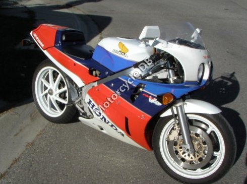Honda VFR 750 R / RC 30 (reduced effect) 1991 15947