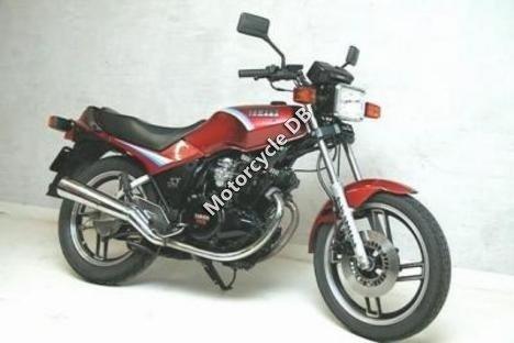 Yamaha XS 400 DOHC (reduced effect) 1984 10437