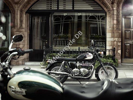 Triumph Bonneville T100 2011 4961