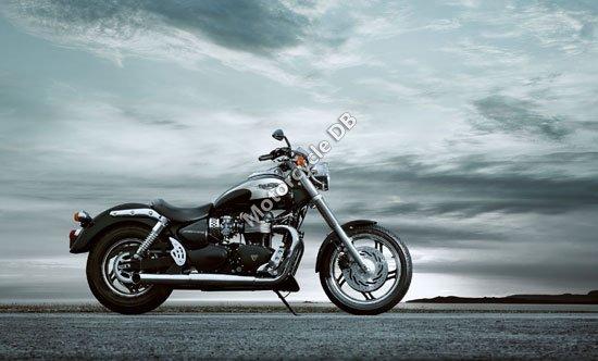 Triumph Speedmaster 2010 4445