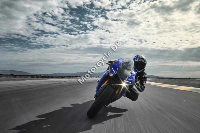 Yamaha YZF-R1 2018 25779