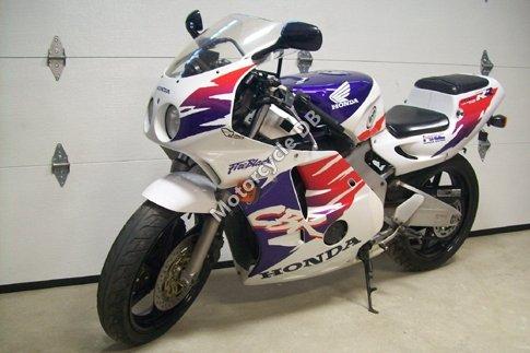 Honda CBR 250 RR 1994 7013