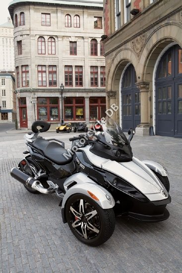 Can-Am Spyder Roadster SM5 2009 3443