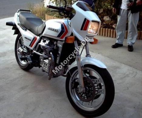 Honda VT 500 E (reduced effect) 1984 11569
