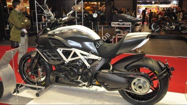 Ducati Diavel 2018 24584