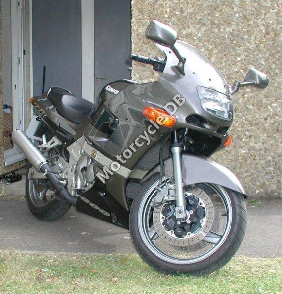 Kawasaki ZZR 600 1999 10443