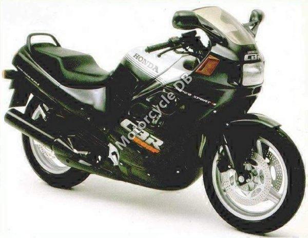 Honda CBR 1000 F 1988 8772