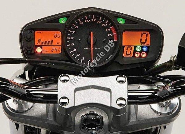 Suzuki GSR600 2009 27893