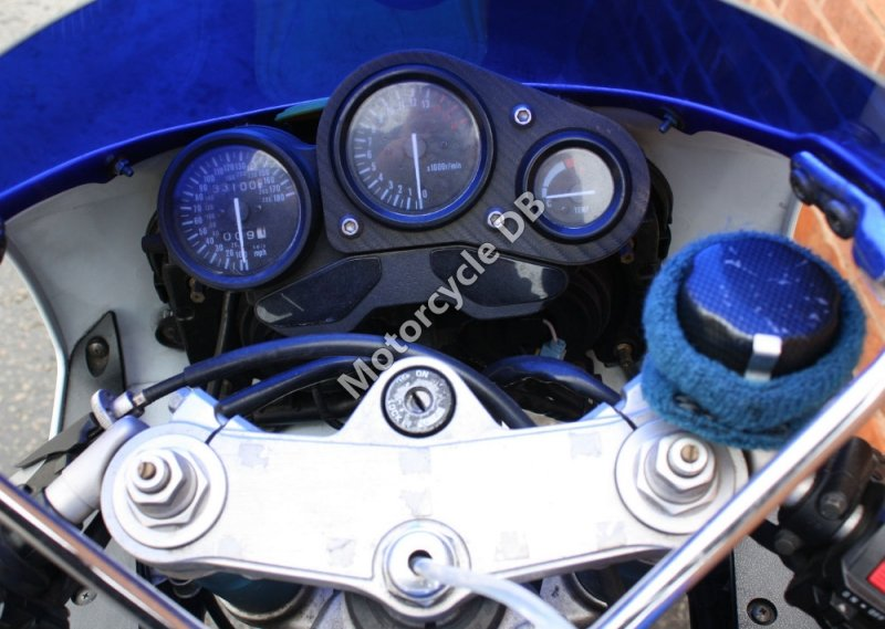 Suzuki GSX-R 750 1993 27745