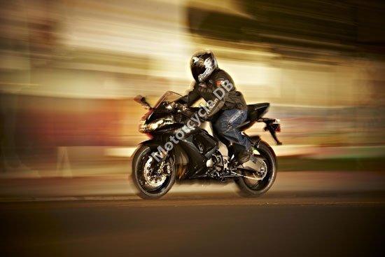 Kawasaki Ninja ZX-10R 2010 4242