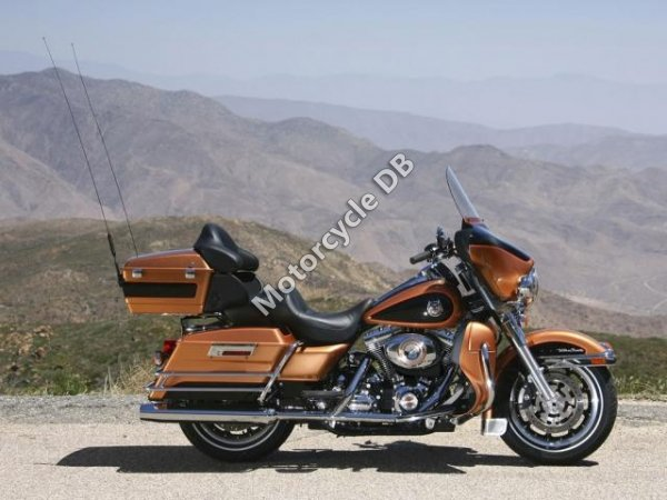 Harley-Davidson FLHTCU Ultra Classic Electra Glide 2008 10062